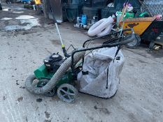 BILLY GOAT SELF-PROPELLED LAWN VACUUM, GOOD COMPRESSION, 5.5HP BRIGGS AND STARTTON ENGINE *NO VAT*