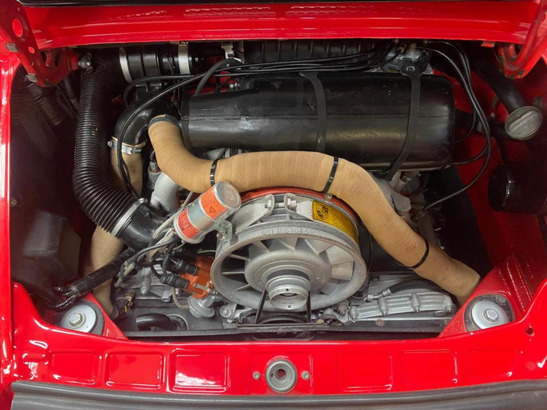 1980 Porsche 911 sc sport but has been fully rebuilt to be identical to a 1974 911 rsr *NO VAT* - Image 9 of 12