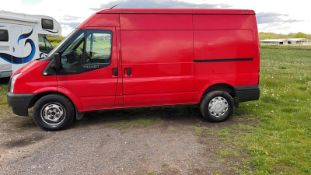 2014 FORD TRANSIT 125 T350 FWD RED PANEL VAN, SHOWING 135,726 MILES, 2.2 DIESEL ENGINE *NO VAT*