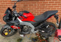2018 APRILIA TUONO RED MOTORCYCLE, 125CC PETROL ENGINE, LOW MILEAGE - LESS THAN 500 MILES *NO VAT*