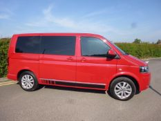 2015 VOLKSWAGEN RED CARAVELLE EXECUTIVE BMT TDI, AUTO, 2.0 DIESEL *NO VAT*