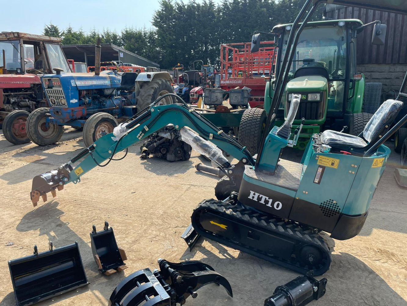 NEW AND UNUSED HIGH TOP HT10 MINI EXCAVATOR, VOLVO BM4400 LOADING SHOVEL, KUBOTA TRACTOR WITH FRONT LOADER, ALL ENDING FROM 7PM TUESDAY!