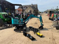 NEW AND UNUSED HIGH TOP HT10 MINI DIGGER / EXCAVATOR, RUNS DRIVES AND DIGS *PLUS VAT*