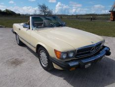 1986 MERCEDES 560SL, 5.5 V8 AUTOMATIC, LIGHT YELLOW WITH TAN LEATHER, 87K MILES *NO VAT*