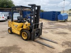 1999 CAT DP25 DIESEL FORKLIFT, CONTAINER MAST, SIDESHIFT, 3800 HOURS, STARTS AND RUNS WELL *PLUS VAT