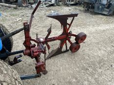 RED SINGLE FURROW REVERSIBLE PLOUGH, SUITABLE FOR COMPACT TRACTOR *PLUS VAT*