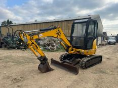 2005 JCB 8027 ZTS MINI DIGGER, RUNS DRIVES AND DIGS, SHOWING A LOW 268 HOURS, FULLY GLASS CAB