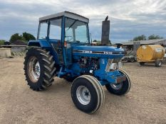 FORD 5610-II TRACTOR, RUNS AND DRIVES, CABBED, GOOD SEAT, 72hp, 3 POINT LINKAGE *PLUS VAT*