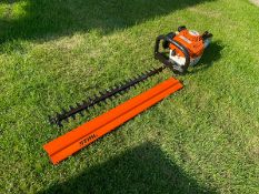 2019 STIHL HS45 HEDGE TRIMMER, RUNS AND WORKS, BAR COVER IS INCLUDED *NO VAT*