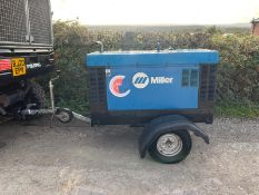 2007 MILLER BIG BLUE 400 X SINGLE AXLE TOW BEHIND WELDING GENERATOR, STARTS AND RUNS WELL