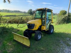 2010/60 JOHN DEERE 2320 24hp COMPACT TRACTOR WITH HYDRAULIC BLADE, RUNS DRIVES AND PUSHES *PLUS VAT*