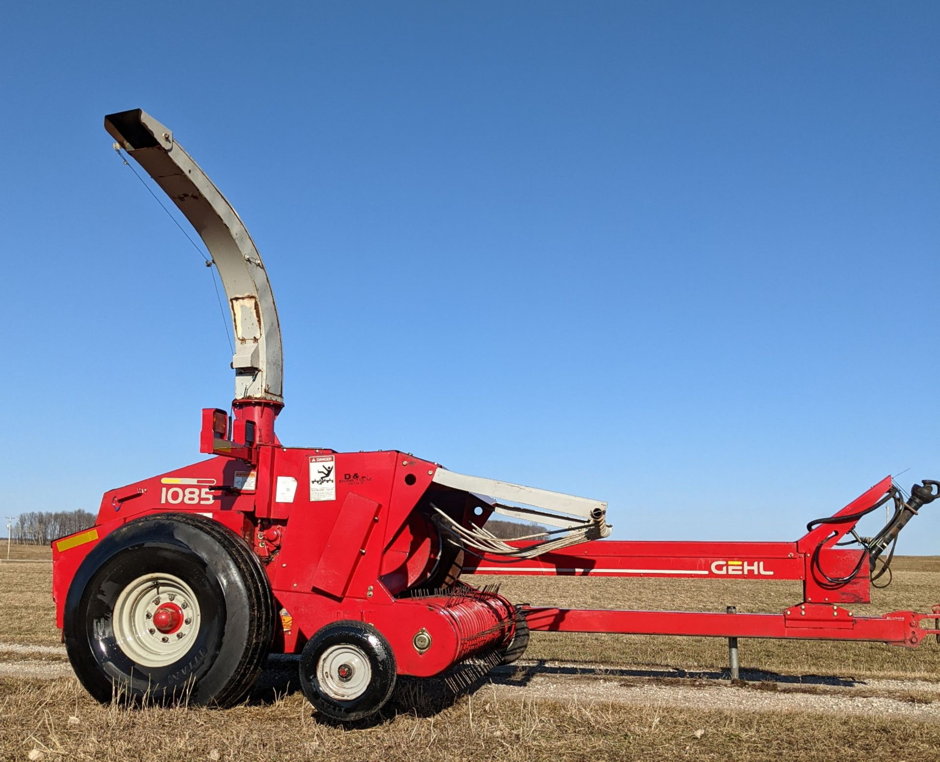 GEHL 1085 FORAGE CHOPPER W/WIDE HAYHEAD - Image 2 of 8