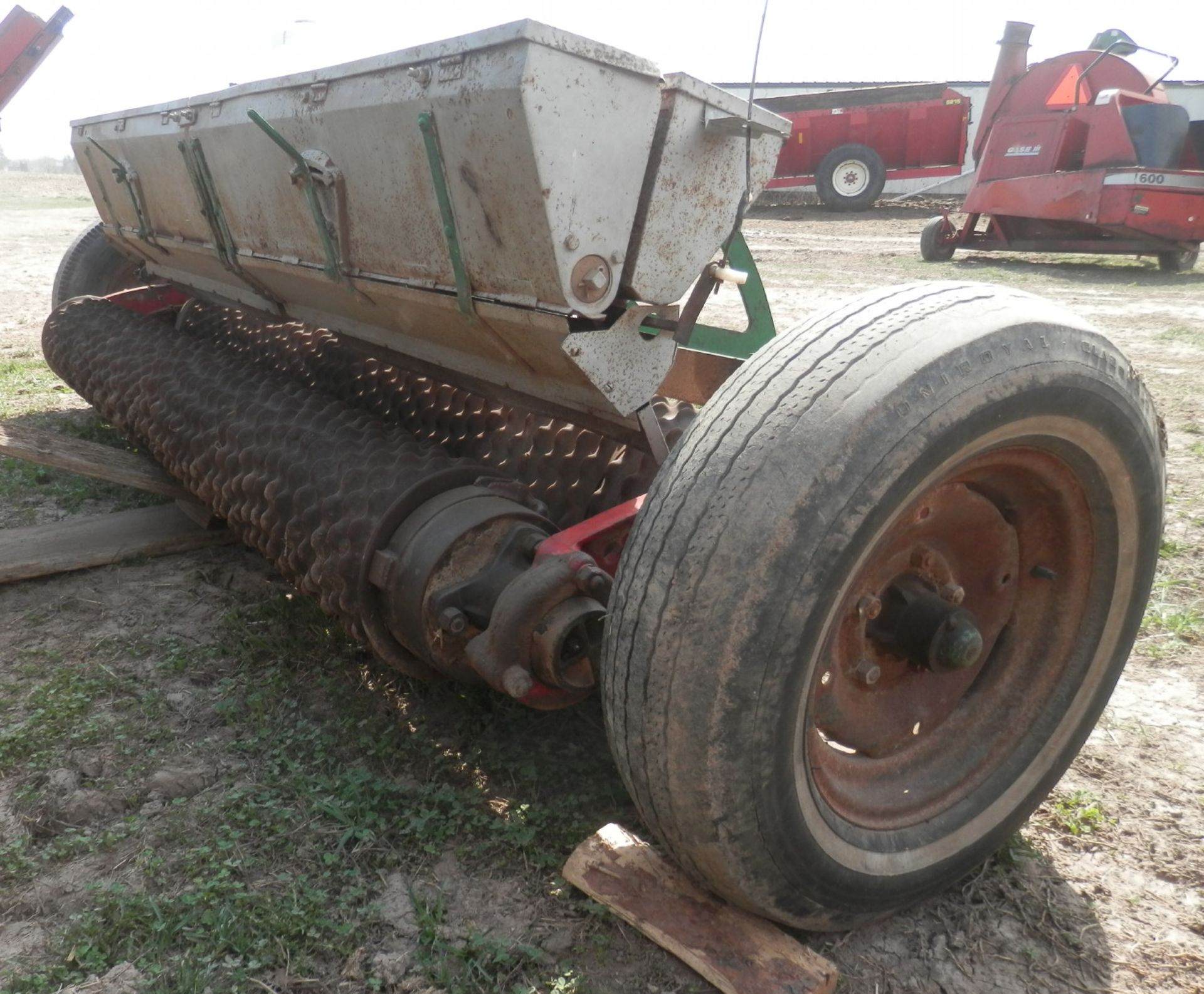 BRILLION 8' SEEDER - Image 2 of 3