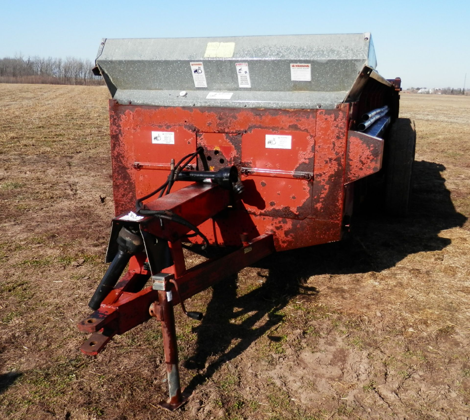H&S 370 TANDEM AXLE MANURE SPREADER - Image 3 of 8