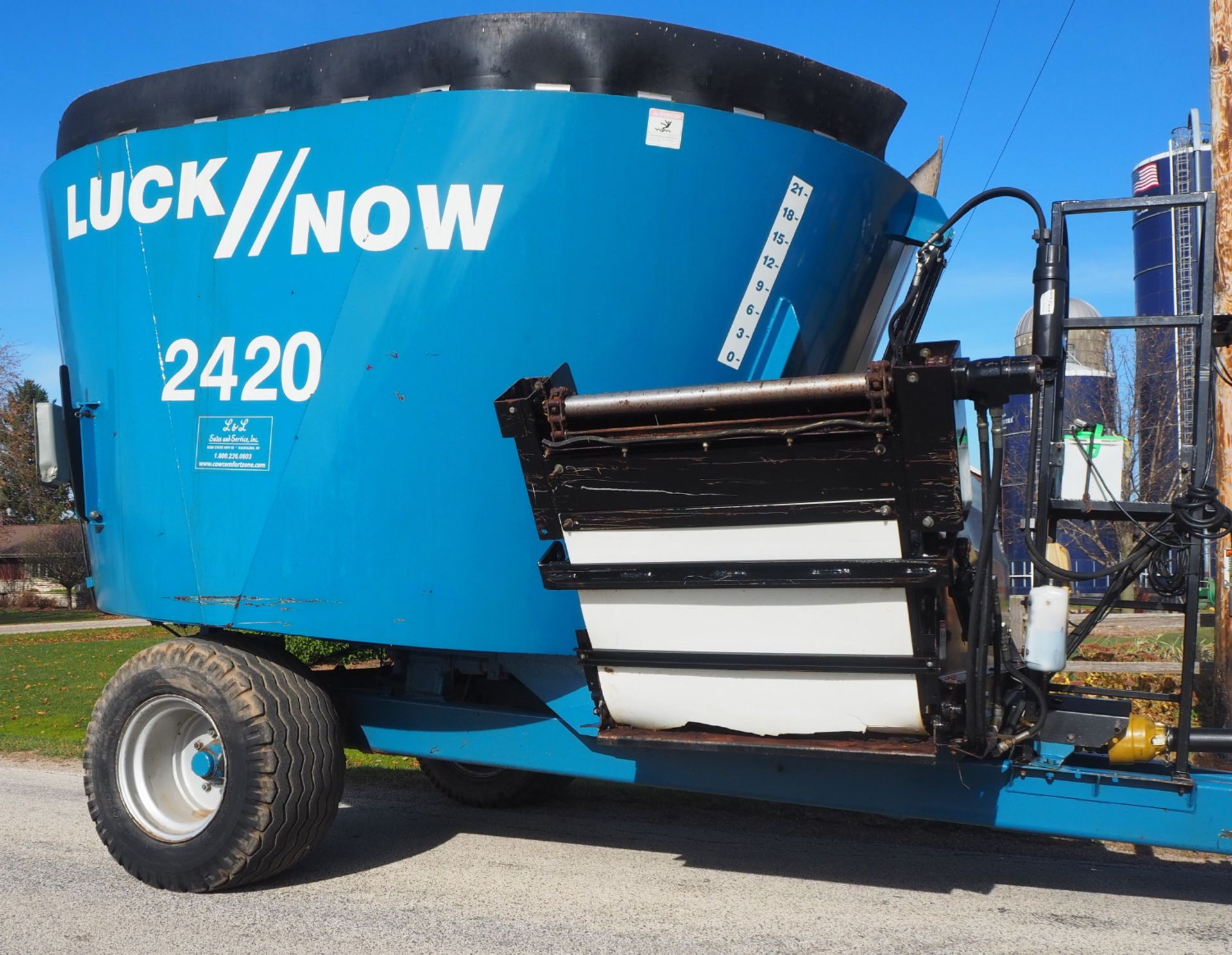 LUCKNOW 2420 PORTABLE VERTICAL TMR MIXER - Image 3 of 6