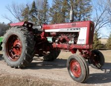 INTERNATIONAL FARMALL 656 DIESEL TRACTOR