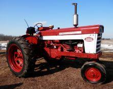 INTERNATIONAL FARMALL 560 GAS TRACTOR