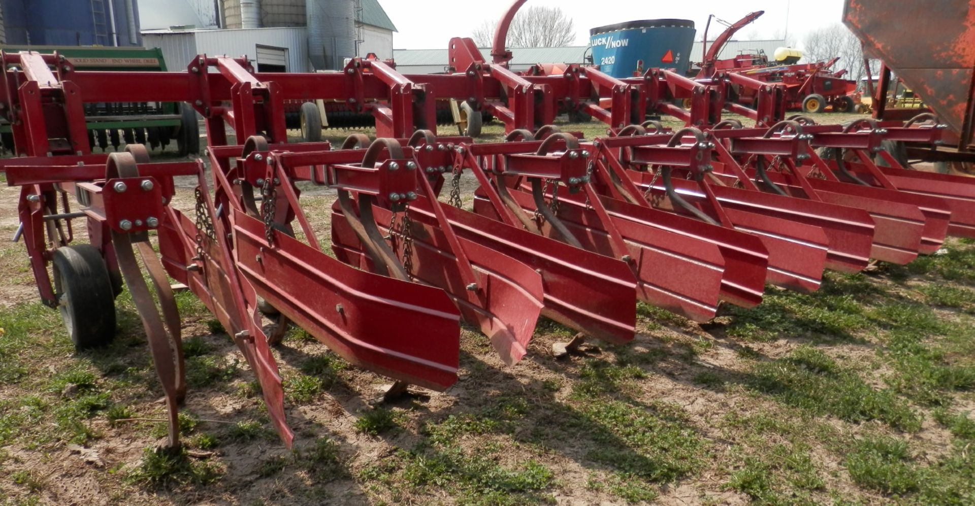 MILLER 6R HI CLEARANCE ROW CROP CULTIVATOR - Image 3 of 3