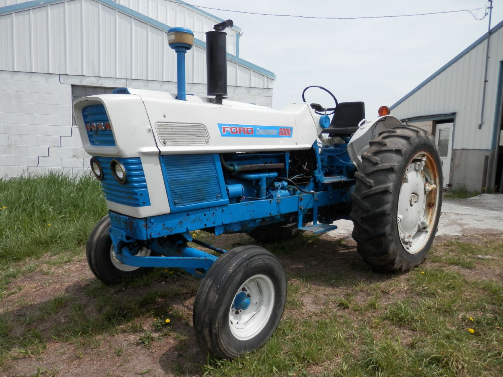 FORD 6000 COMMANDER DIESEL TRACTOR - Image 3 of 8