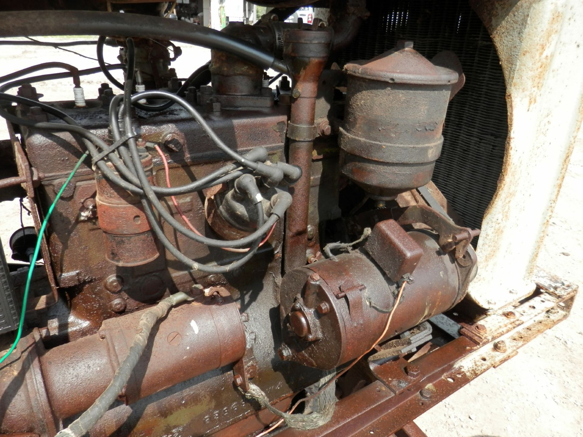 """FORDSON """"DONKEY"""" TRACTOR - Image 9 of 10"""