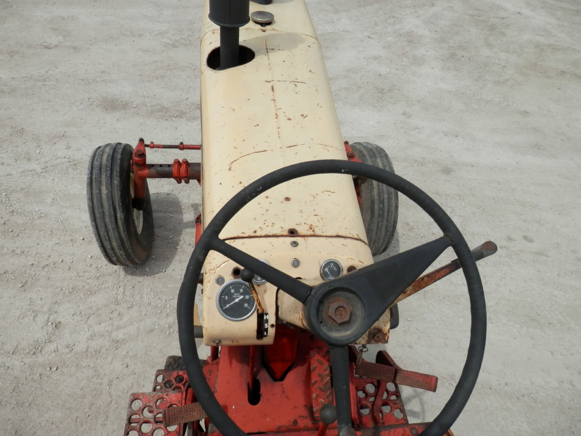 CASE 930 COMFORT KING TRACTOR - Image 5 of 9