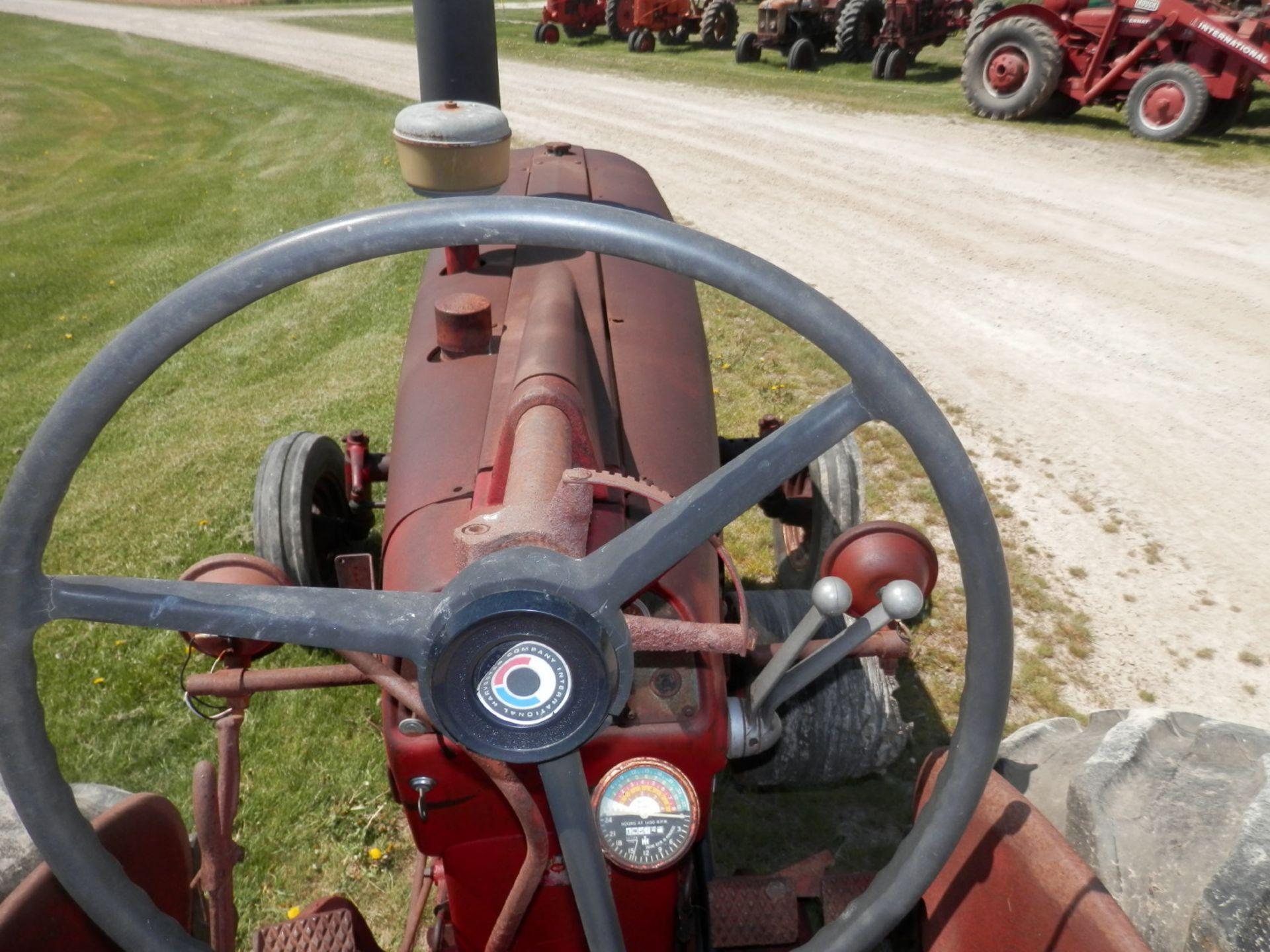 INTERNATIONAL FARMALL 450 Gas TRACTOR - Image 5 of 8