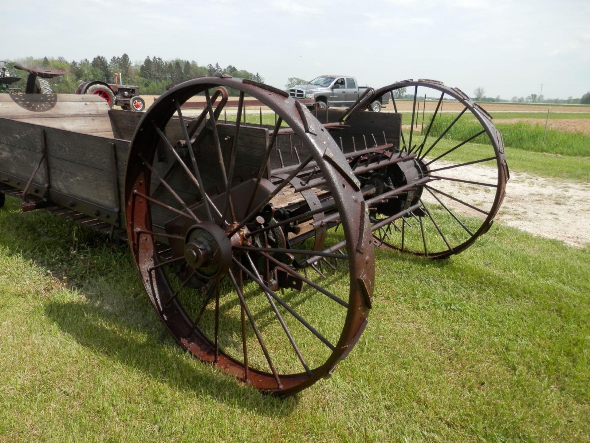 JOHN DEERE C HORSE DRAWN SPREADER - Image 8 of 10