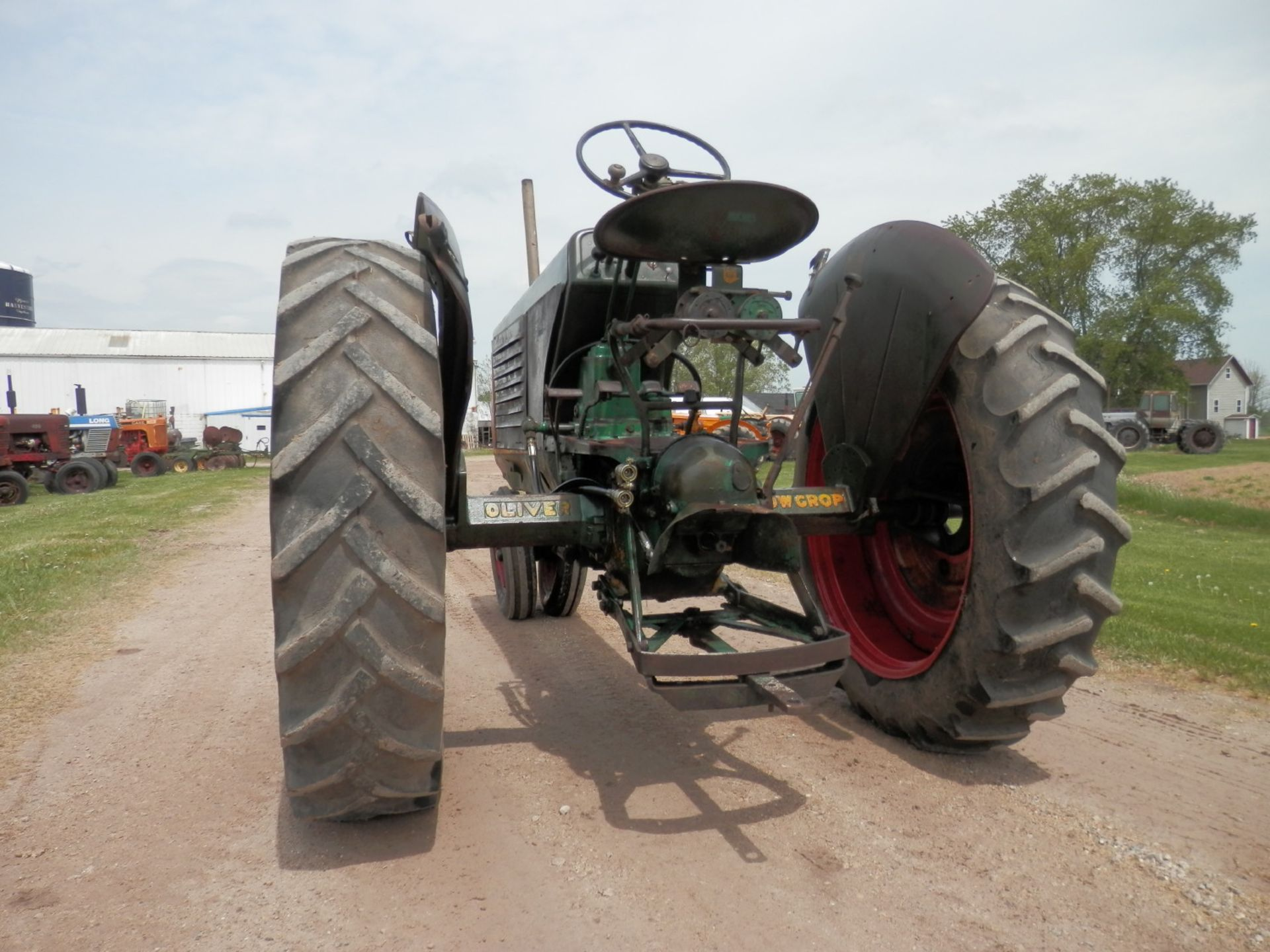 """OLIVER ROW CROP """"77"""" TRACTOR - Image 7 of 13"""