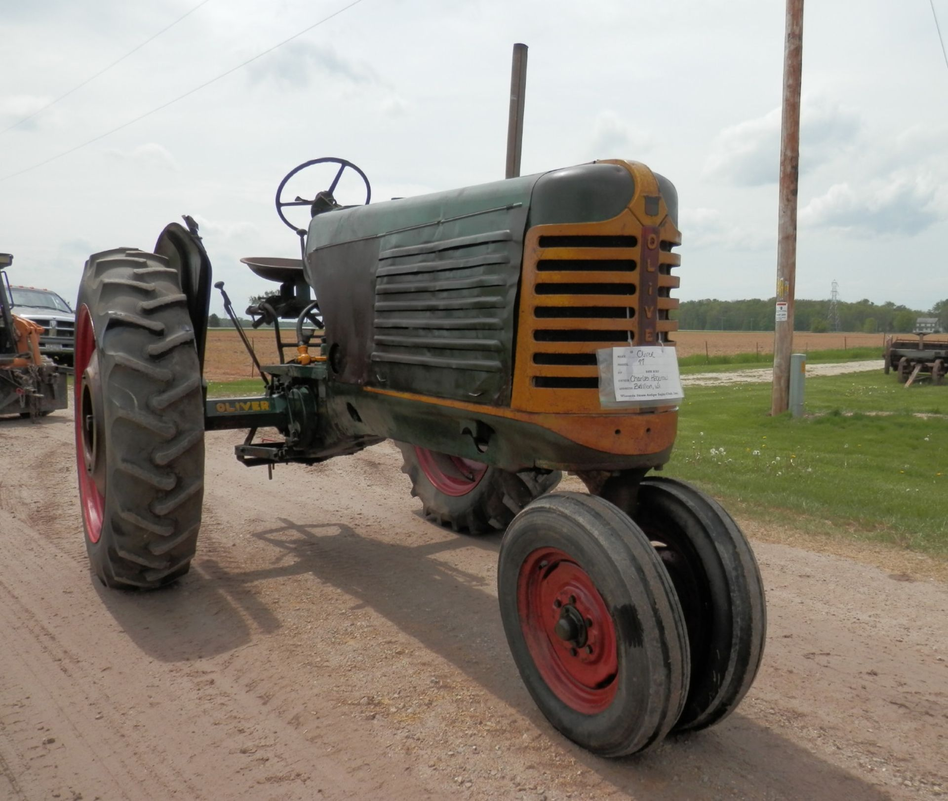 """OLIVER ROW CROP """"77"""" TRACTOR - Image 3 of 13"""