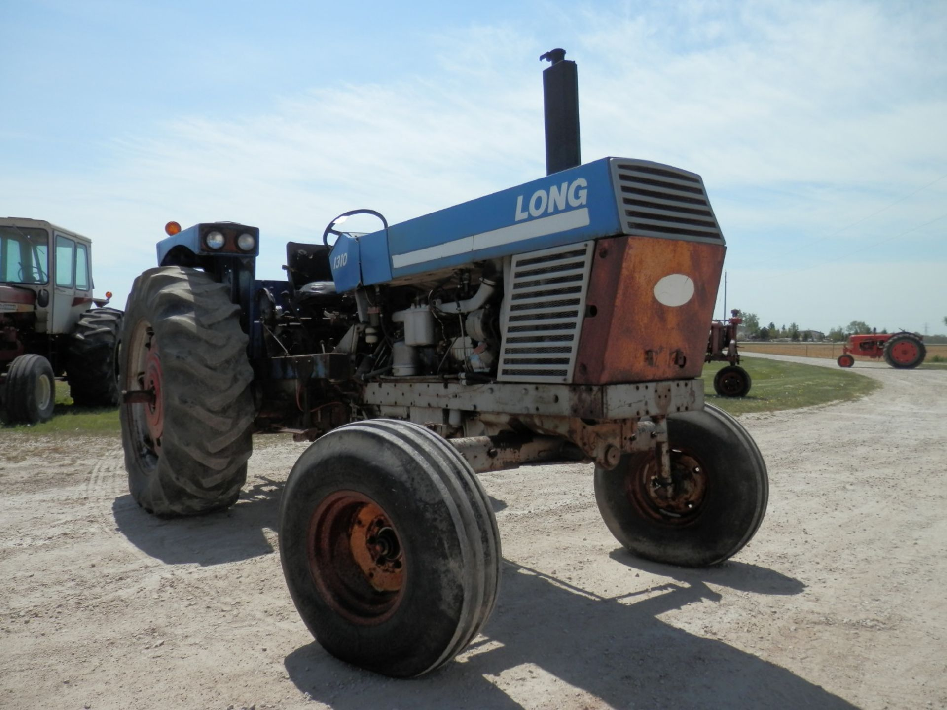 LONG 1310 DSL. TRACTOR - Image 2 of 8