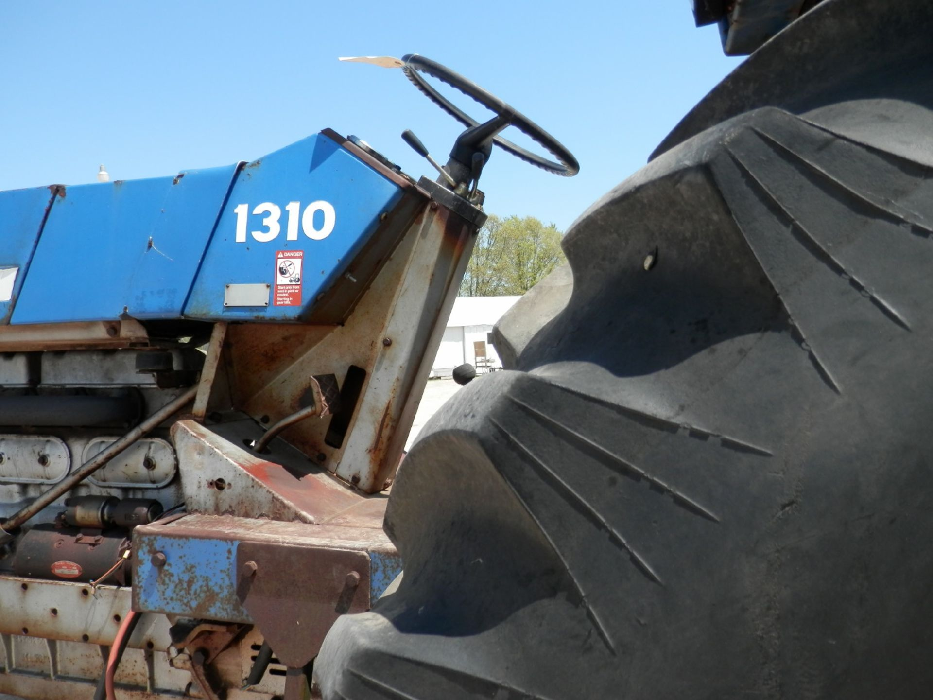 LONG 1310 DSL. TRACTOR - Image 6 of 8