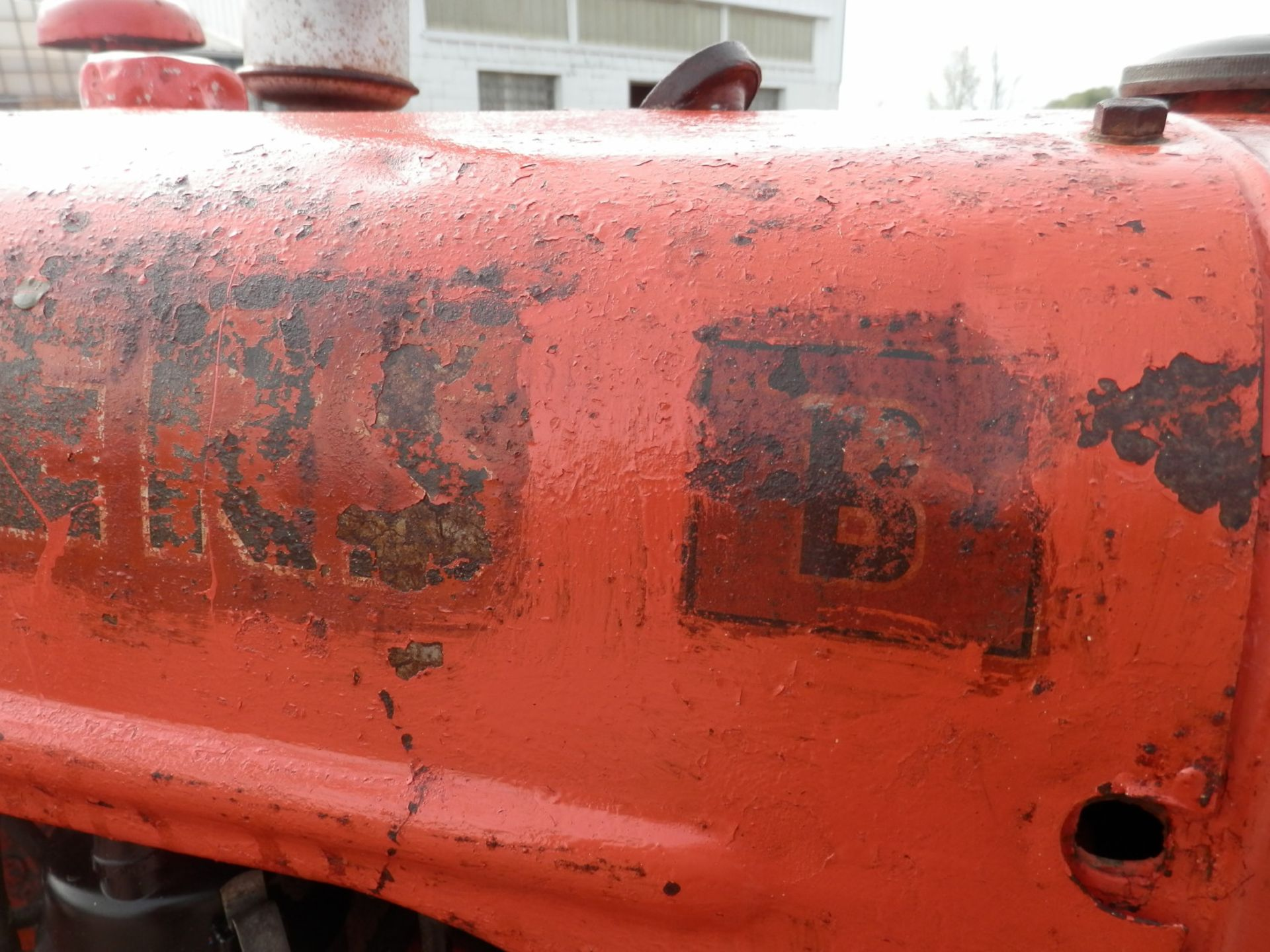 ALLIS CHALMERS B TRACTOR w/6' SICKLE MOWER - Image 8 of 9