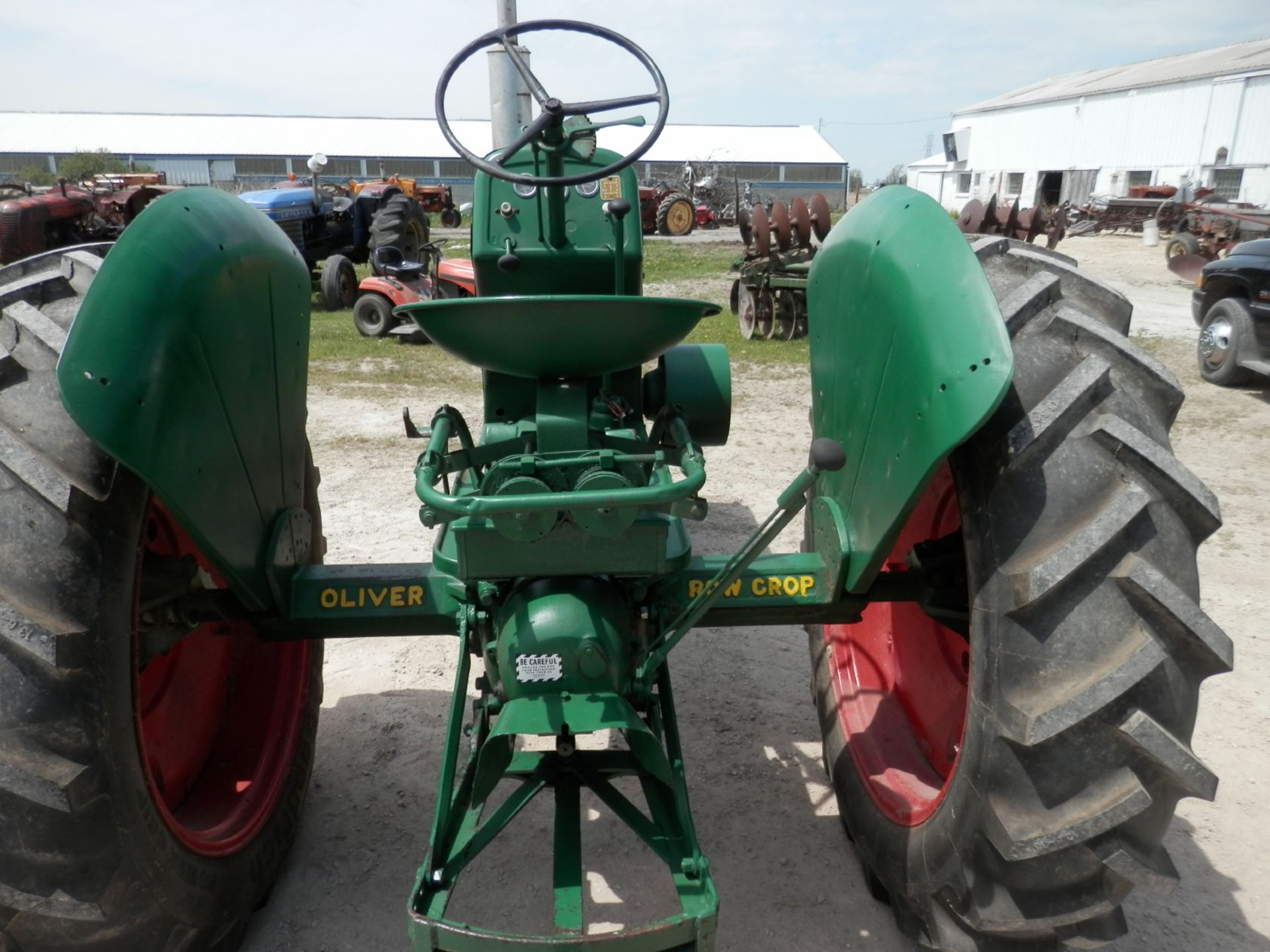 OLIVER 88 ROW CROP TRACTOR - Image 5 of 10