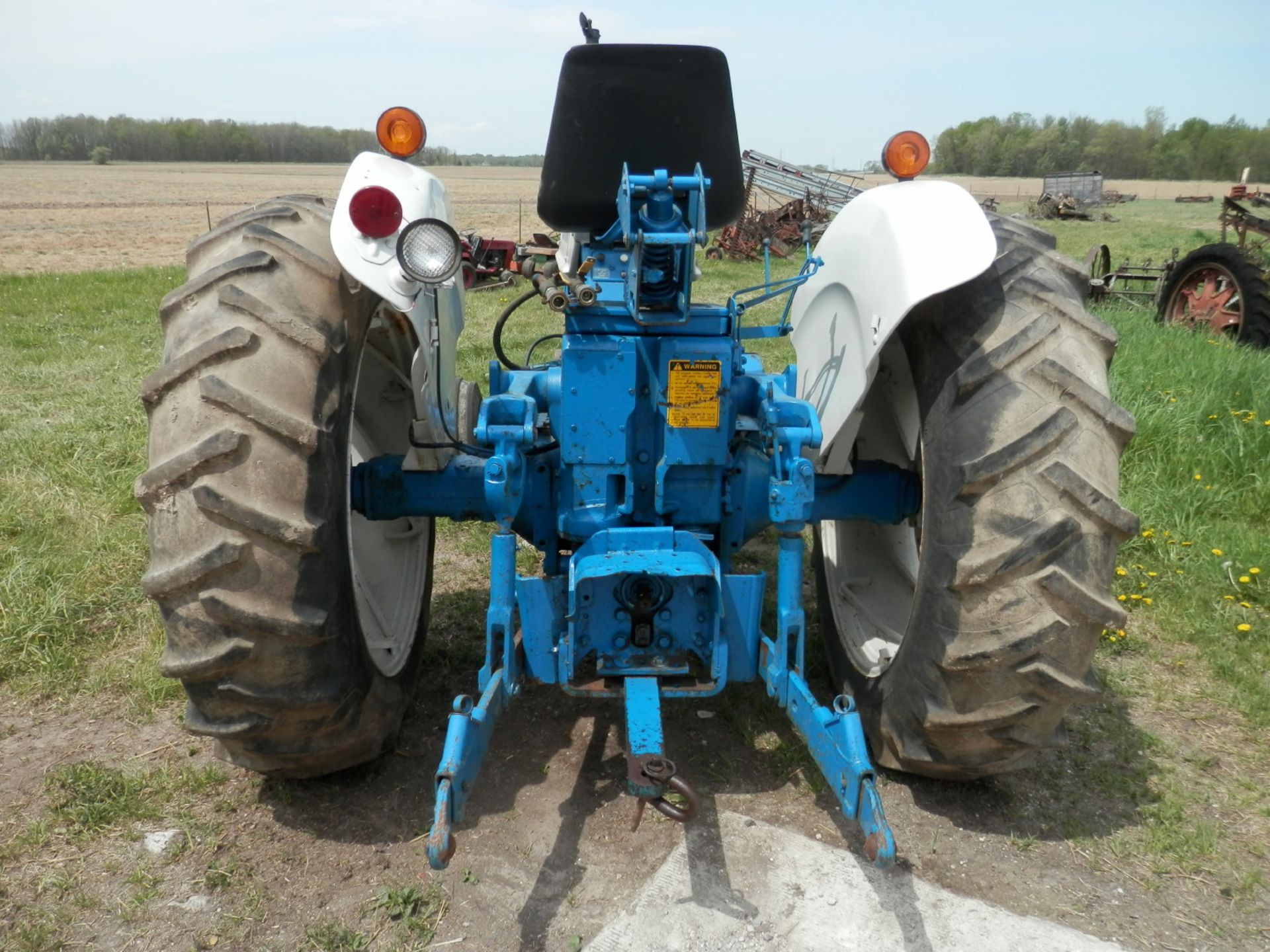 FORD 6000 COMMANDER DIESEL TRACTOR - Image 5 of 8