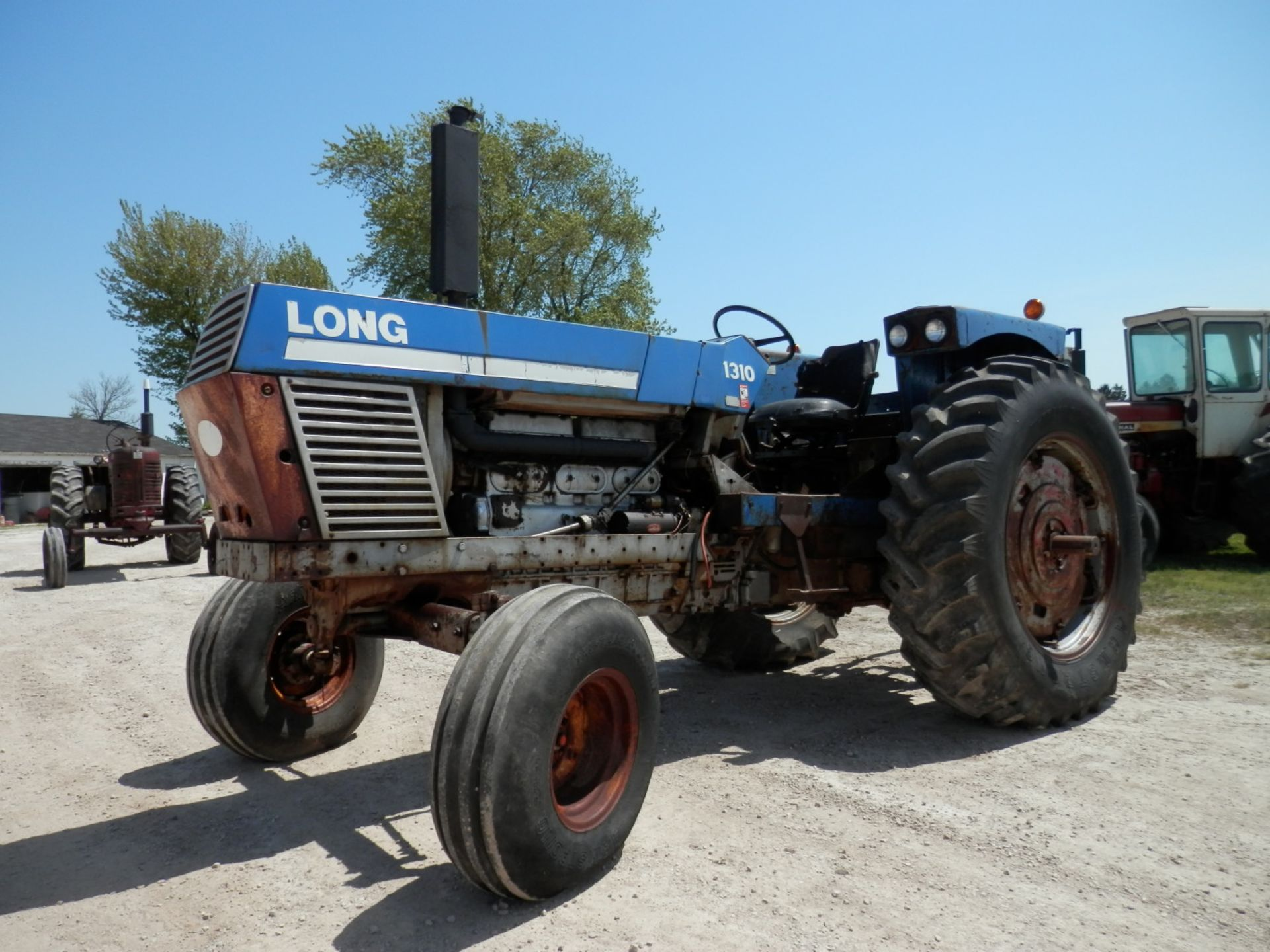 LONG 1310 DSL. TRACTOR - Image 3 of 8