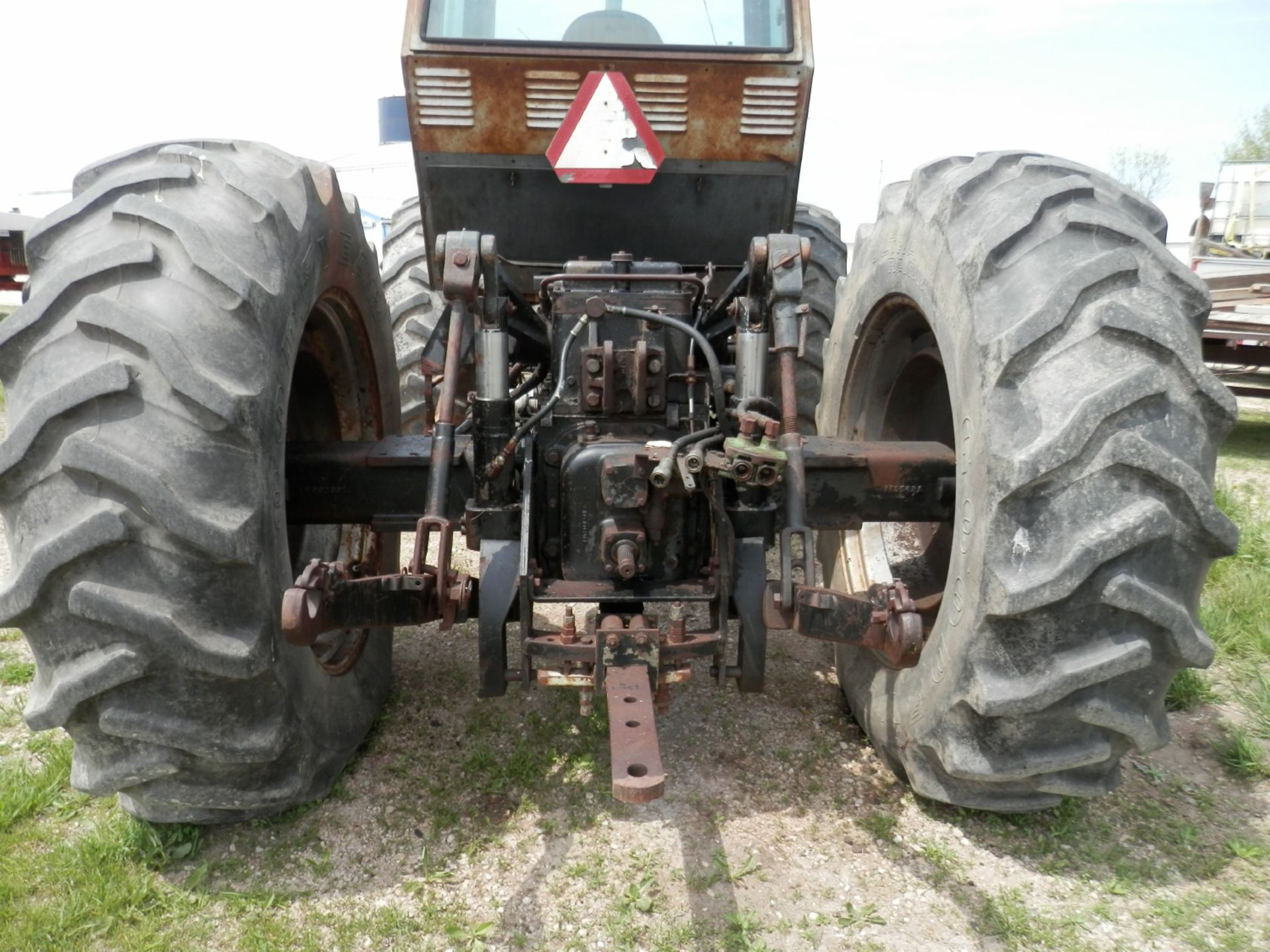 WHITE FIELD BOSS 4-150 4x4 TRACTOR - Image 6 of 8