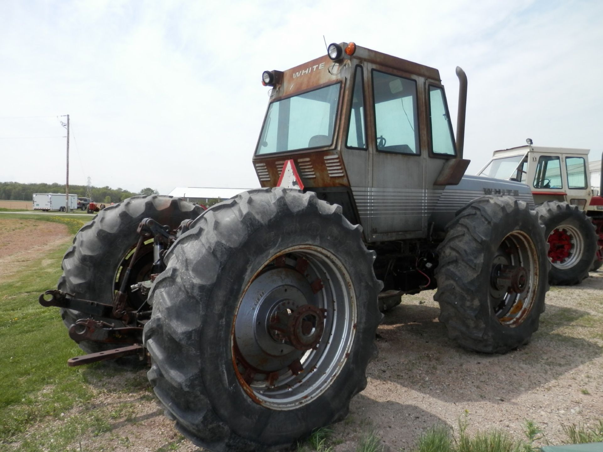 WHITE FIELD BOSS 4-150 4x4 TRACTOR - Image 5 of 8