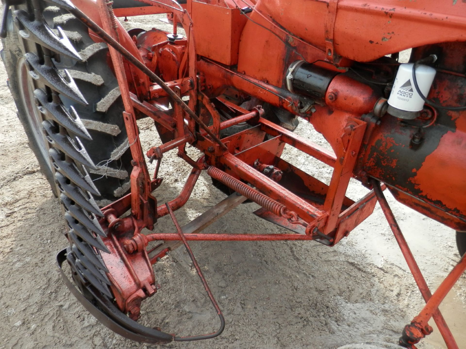 ALLIS CHALMERS B TRACTOR w/6' SICKLE MOWER - Image 6 of 9