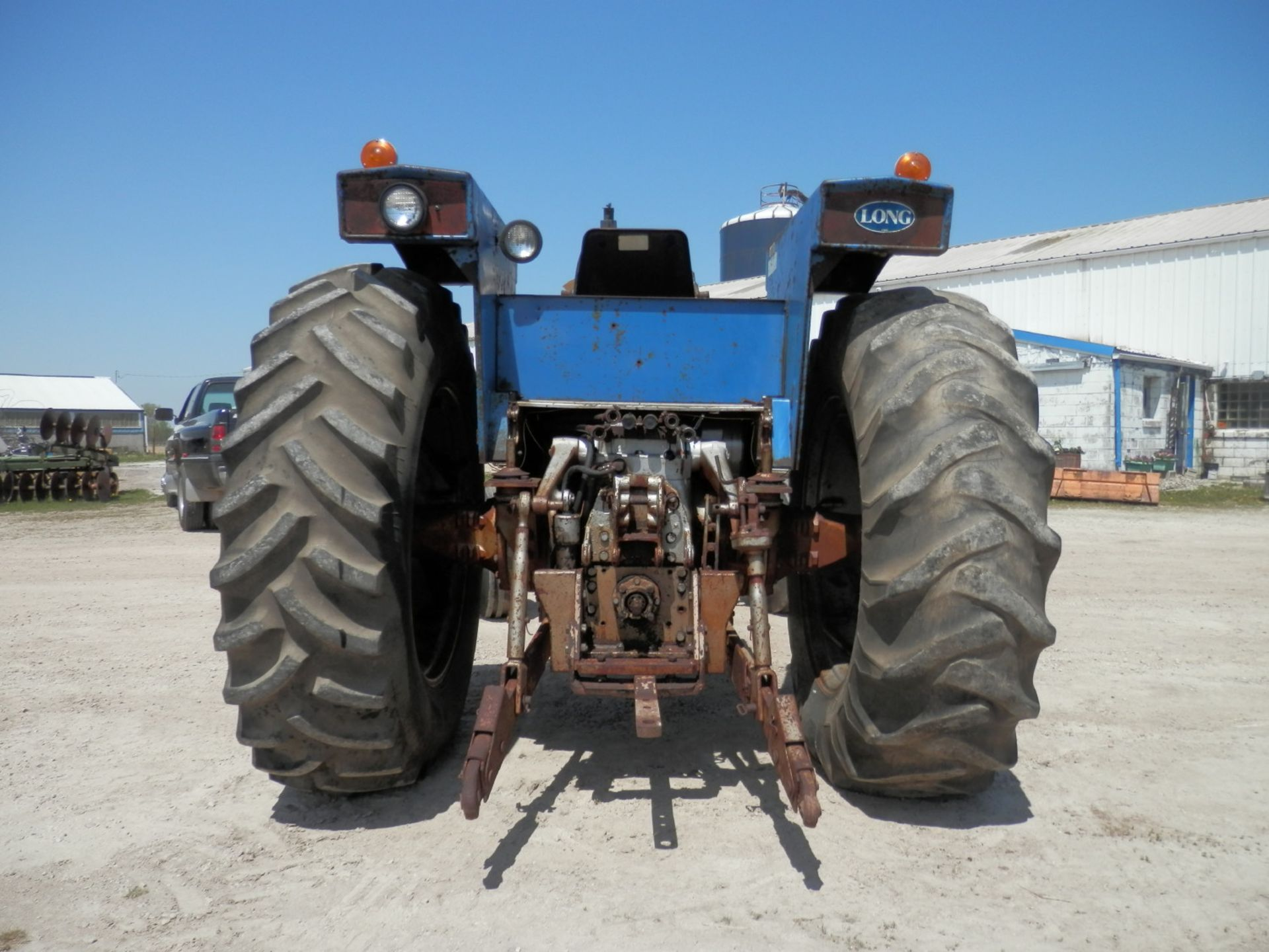 LONG 1310 DSL. TRACTOR - Image 4 of 8