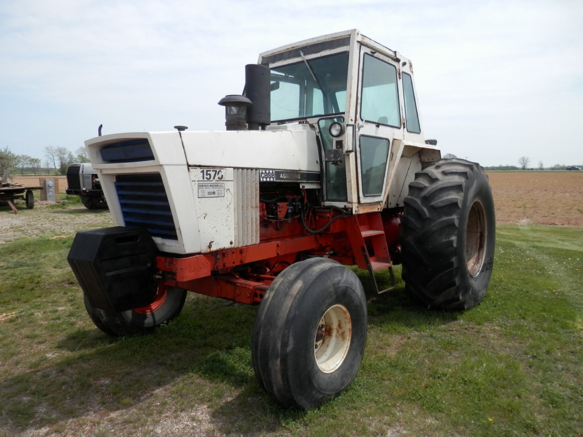 CASE 1570 AGRI KING TRACTOR - Image 5 of 8