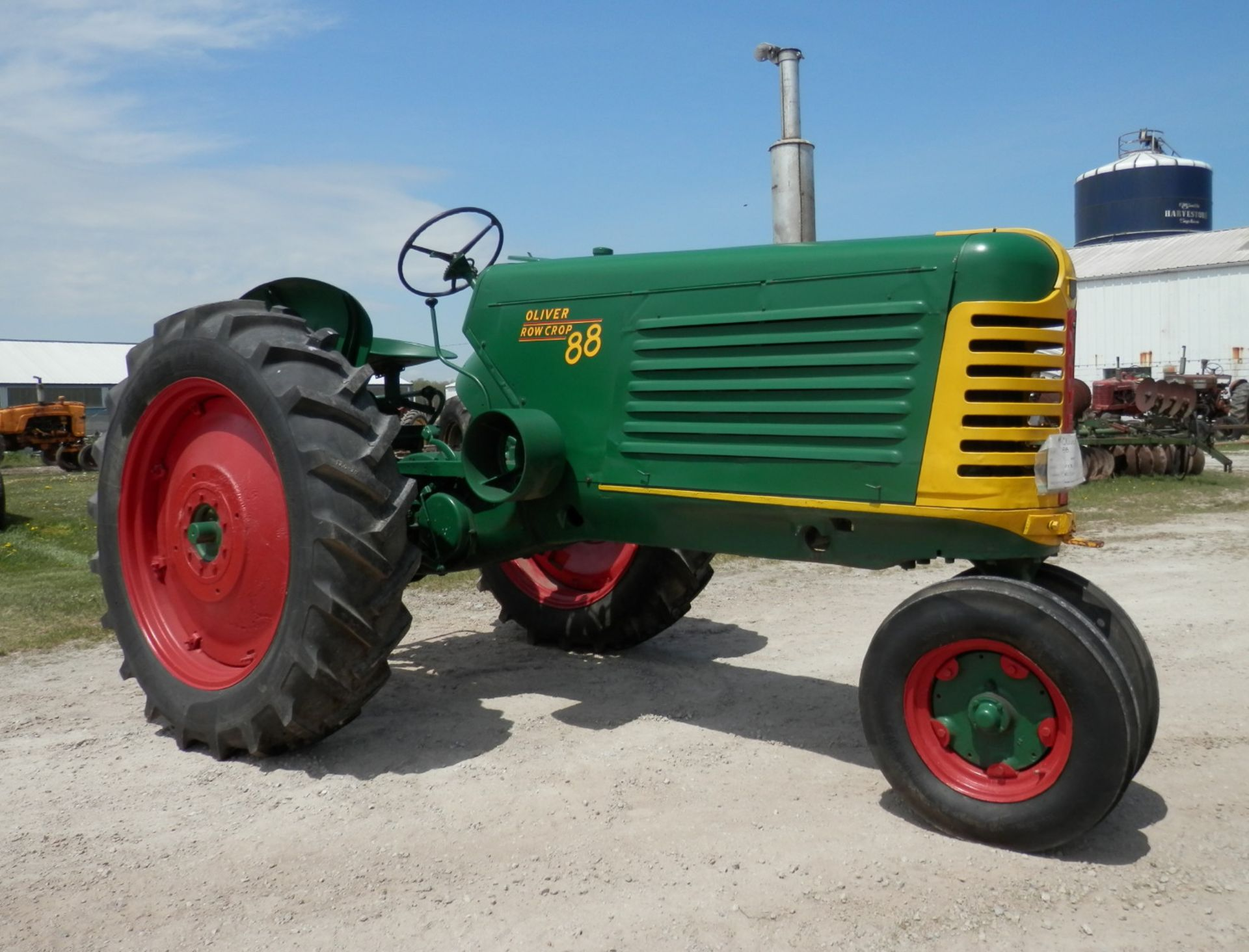 OLIVER 88 ROW CROP TRACTOR - Image 2 of 10