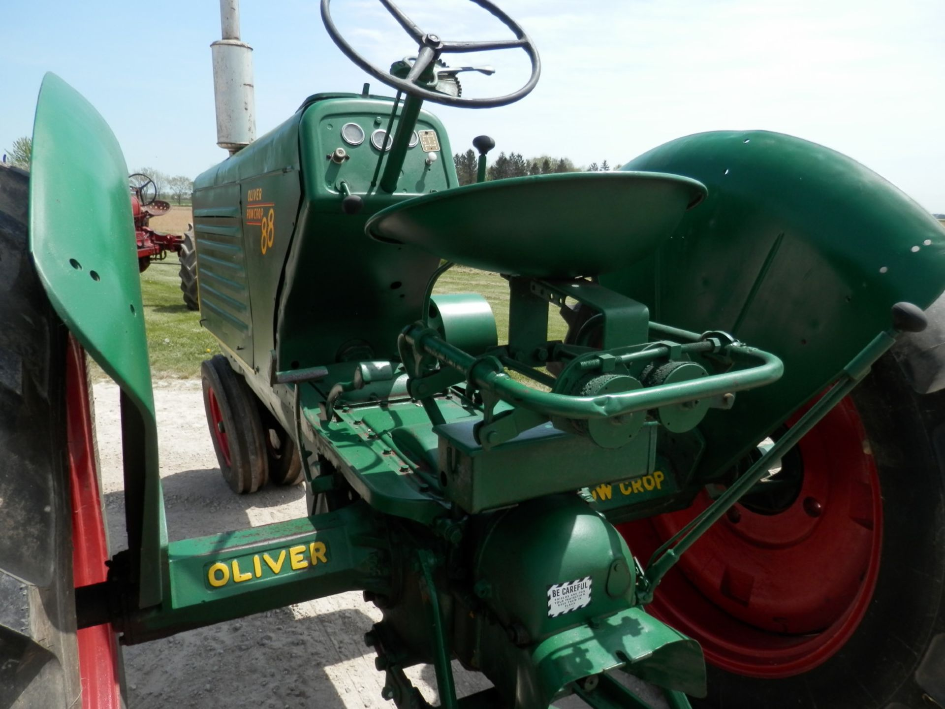 OLIVER 88 ROW CROP TRACTOR - Image 6 of 10