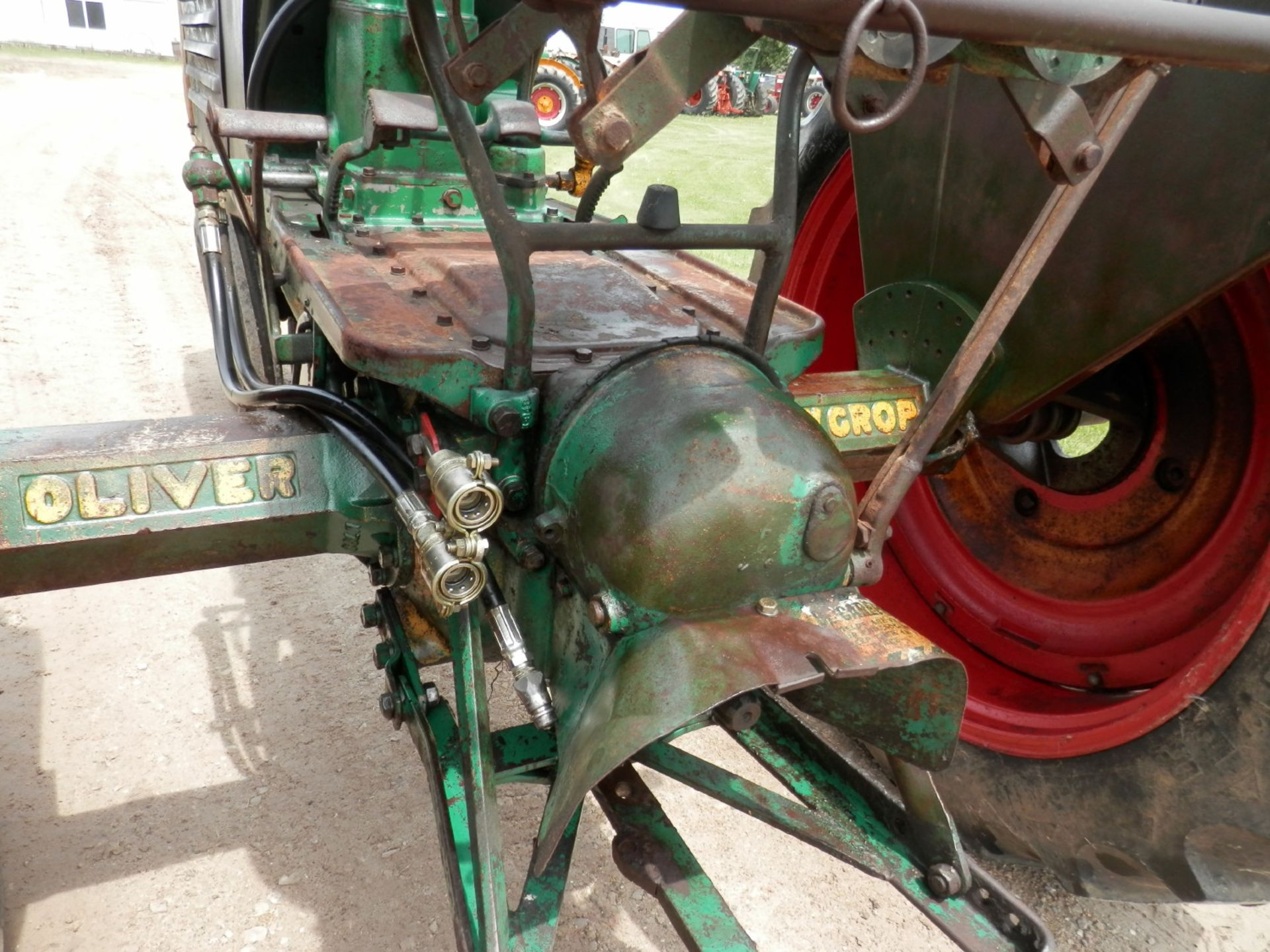 """OLIVER ROW CROP """"77"""" TRACTOR - Image 12 of 13"""