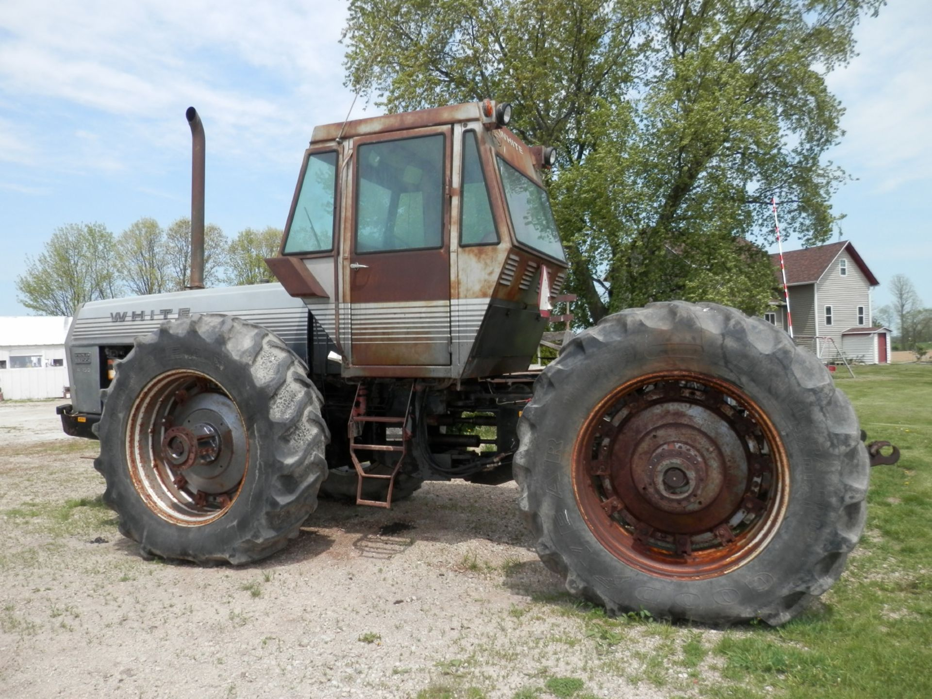 WHITE FIELD BOSS 4-150 4x4 TRACTOR - Image 3 of 8