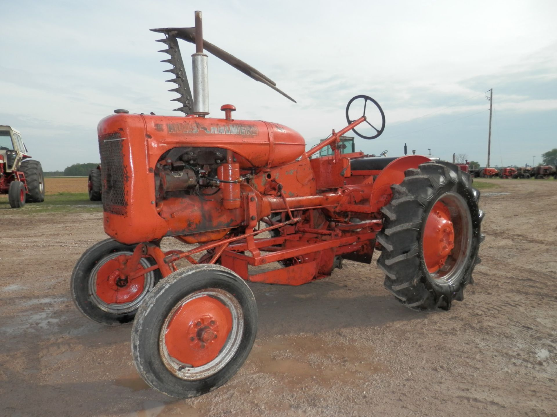 ALLIS CHALMERS B TRACTOR w/6' SICKLE MOWER - Image 2 of 9