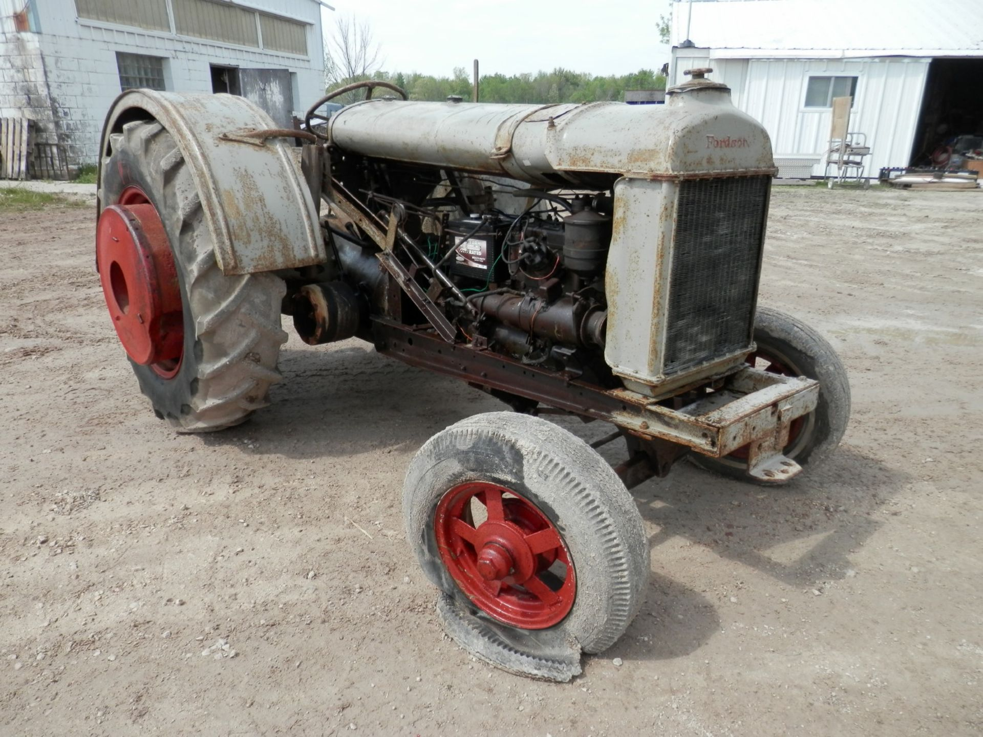 """FORDSON """"DONKEY"""" TRACTOR - Image 4 of 10"""