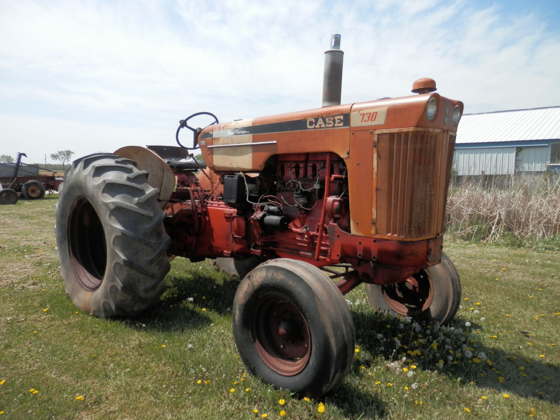 JI CASE 730 GAS TRACTOR - Image 2 of 10