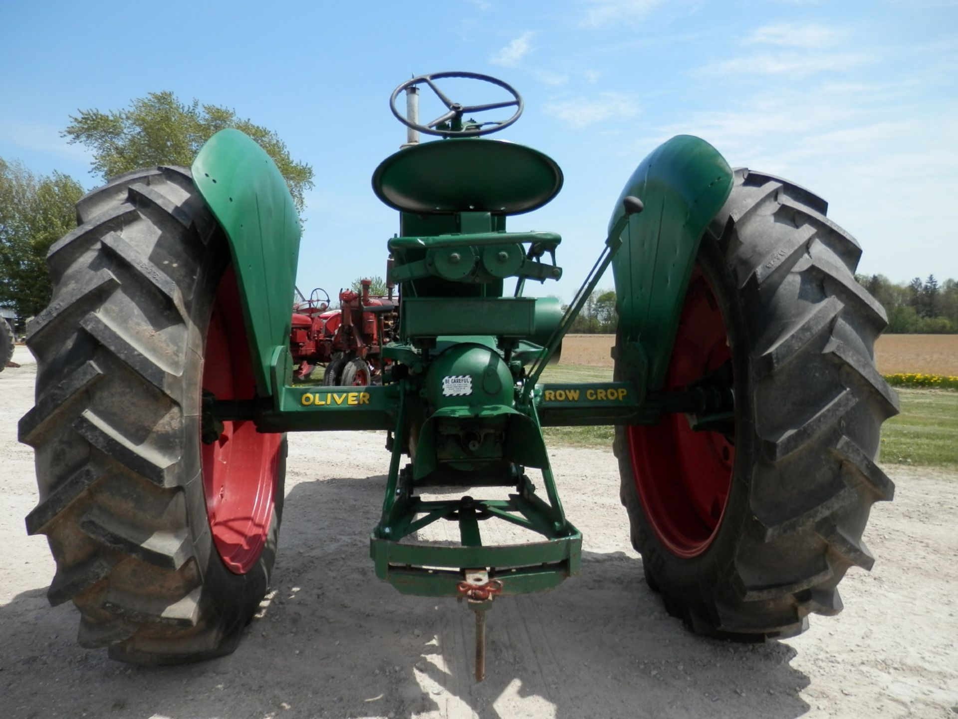 OLIVER 88 ROW CROP TRACTOR - Image 4 of 10