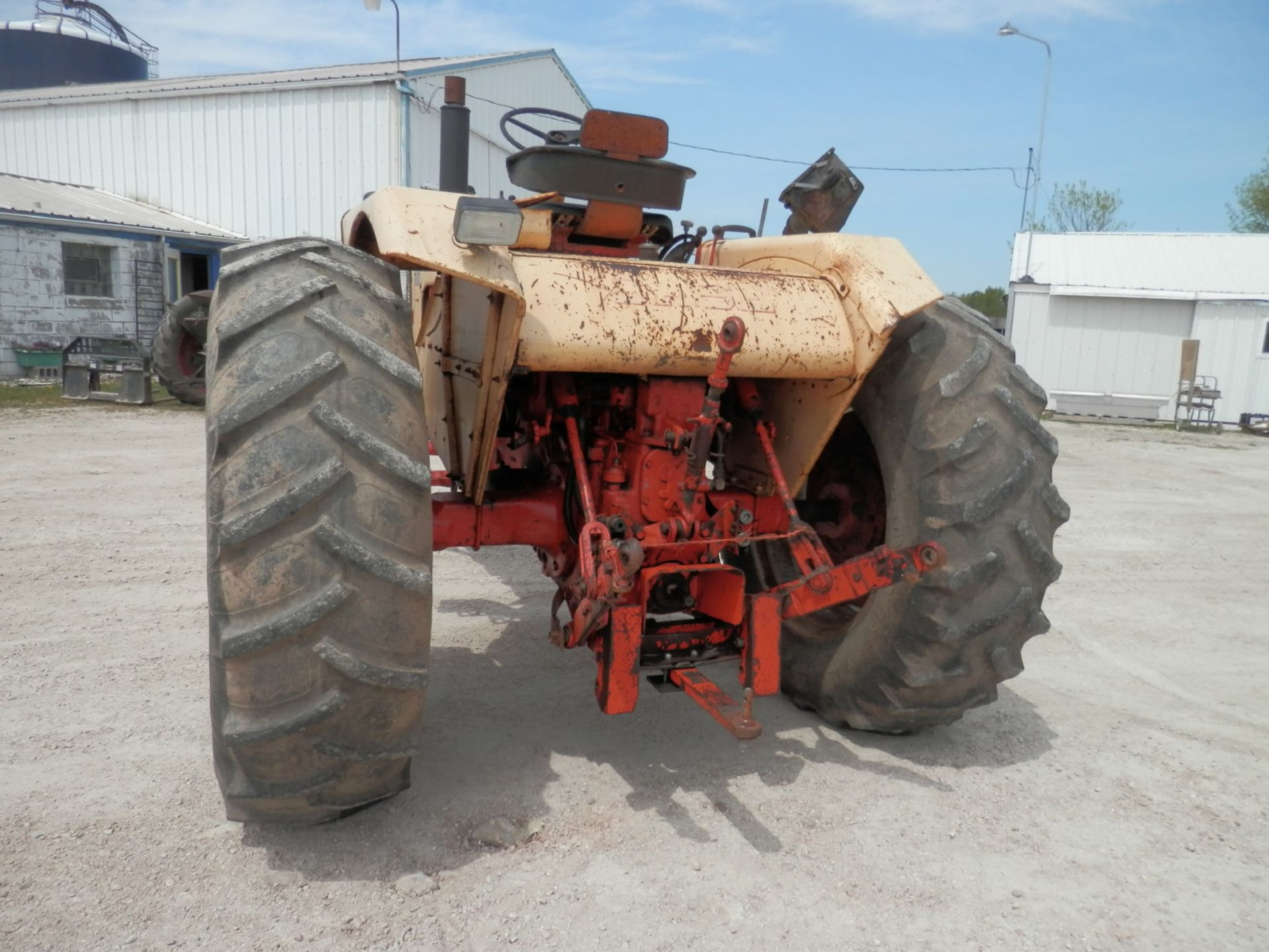 CASE 930 COMFORT KING TRACTOR - Image 4 of 9