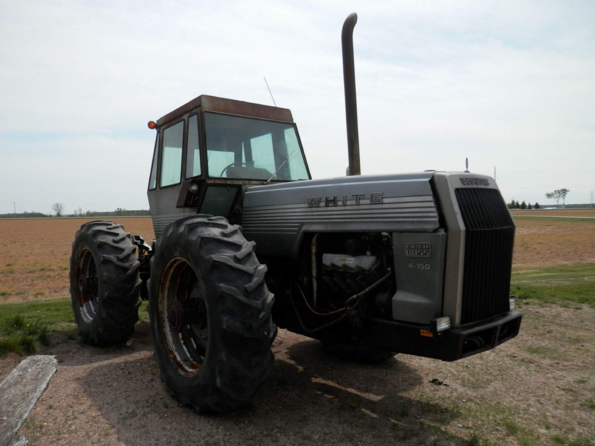 WHITE FIELD BOSS 4-150 4x4 TRACTOR - Image 2 of 8